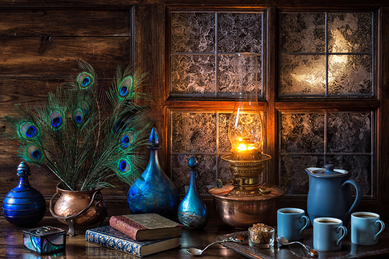 Still-life_Feathers_Kerosene_lamp
