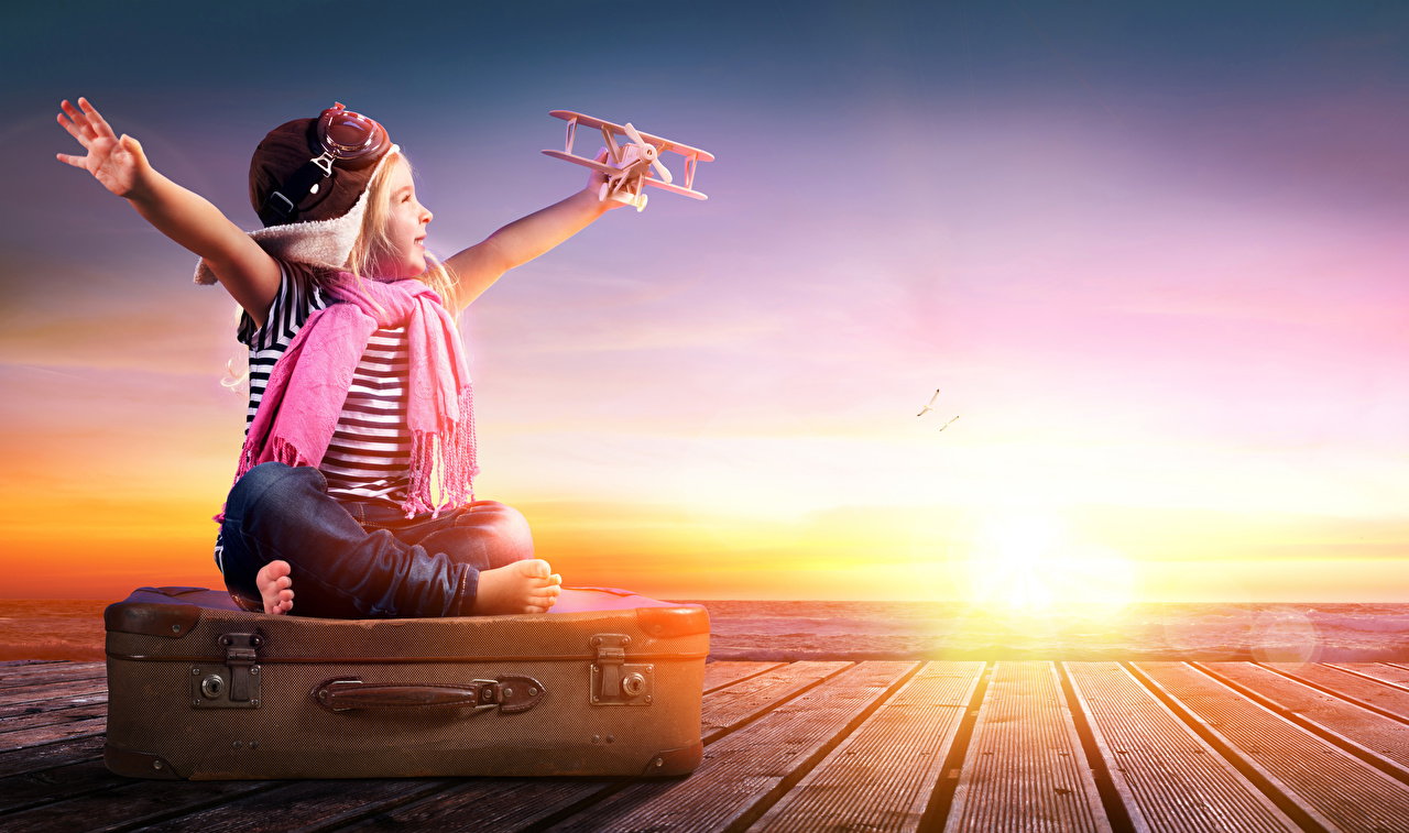 Sunrises_and_sunsets_Airplane_Little_girls_542407_1280x757