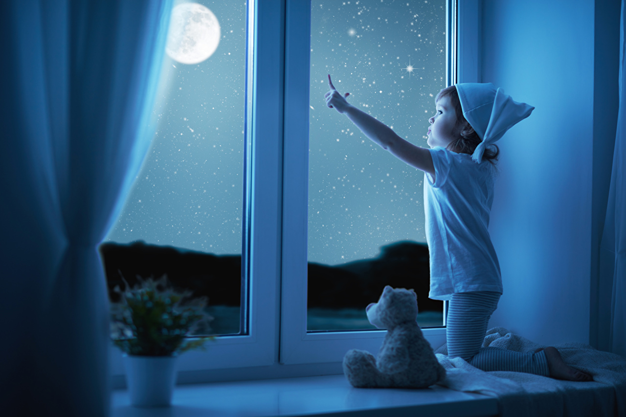 Little_girls_Night_Window_Moon_544122_1280x853