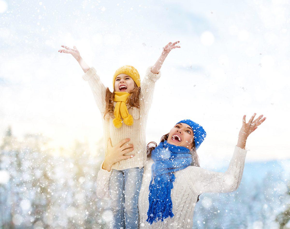 Winter_Little_girls_Snow_Joy_Hands_Scarf_543104_1297x1024