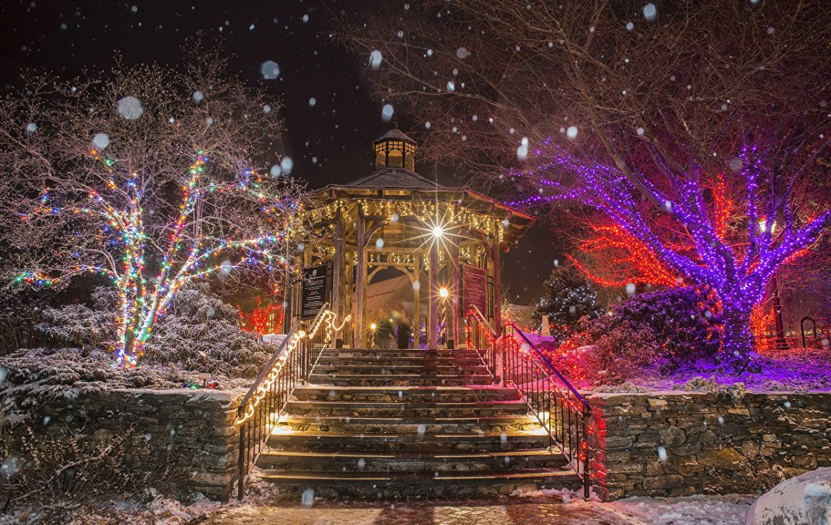 Christmas_Holidays_USA_Parks_Evening_Boylston_538390_1280x810