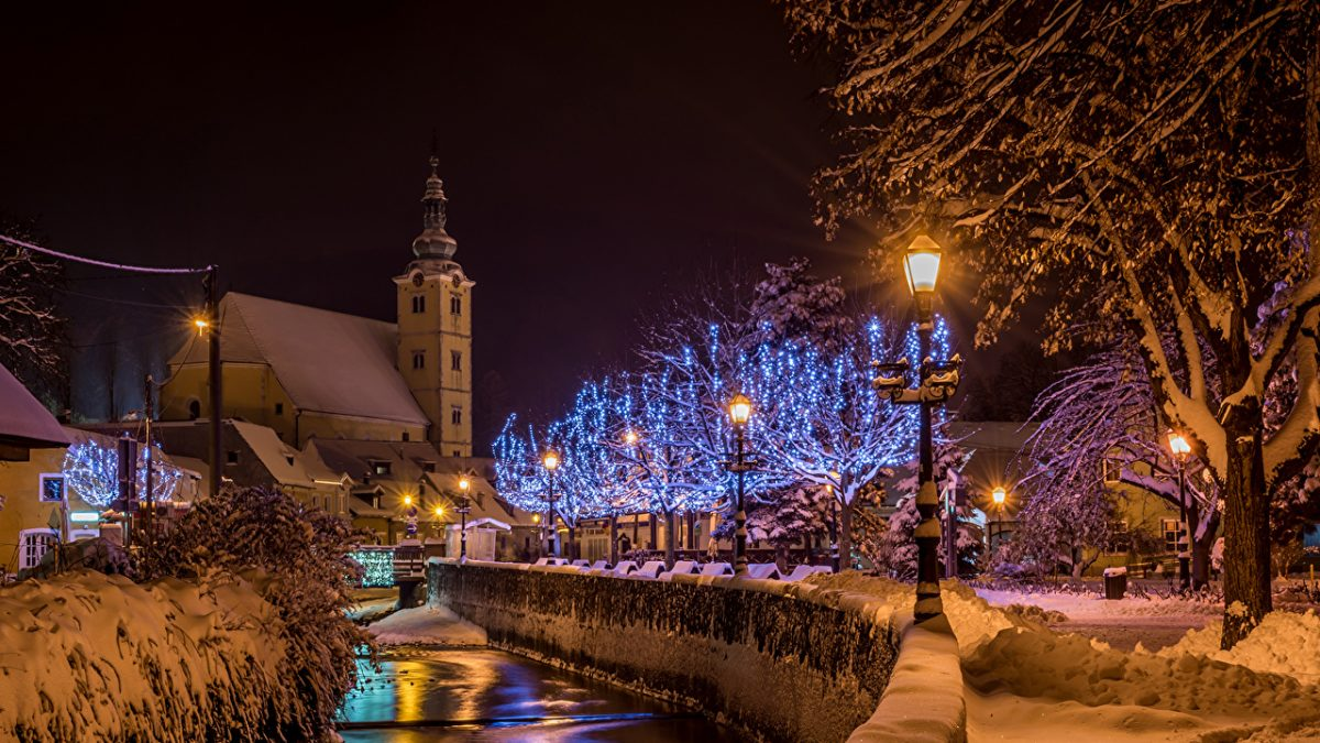 Croatia_Houses_Winter_508904